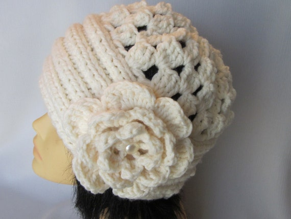 Hand-knitted Hat with Beautiful Flower-Brooch