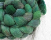 Miskatonic - Superwash wool spinning fiber - 4.1oz