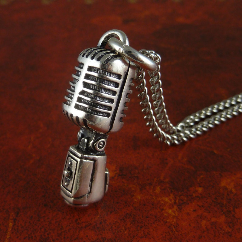 Don't let your jewellery or clothing interfere with your microphone