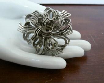 Silvertone Ribbon Pin