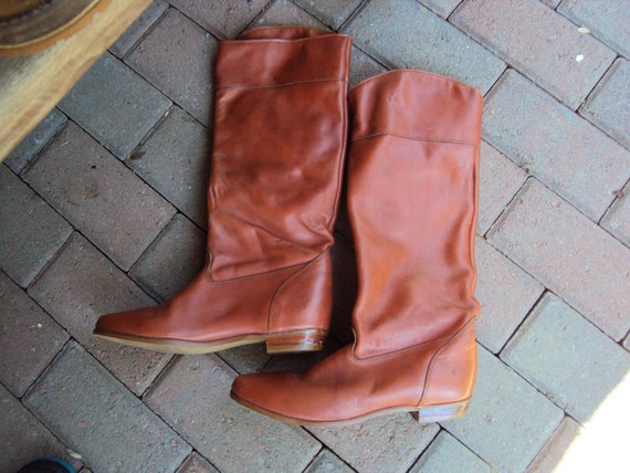 Vintage woman Frye riding boots size 7.5 leather made in USA