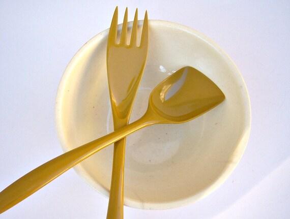 Vintage salad servers // mustard // Danish modern //  Rosti Design Denmark