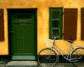 Copenhagen bicycle and house