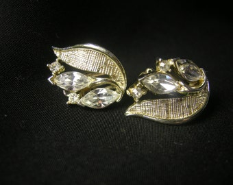 Vintage silver tone and rhinestone LISNER clip on earrings