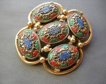 Vintage gold tone and enameled SARAH COVENTRY pin/brooch