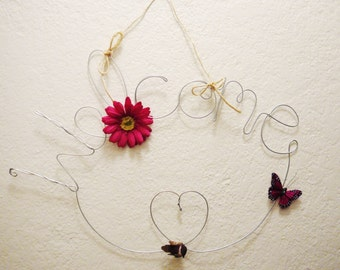 Hanging Outdoor Welcome Sign for Front Door with Pink Daisy Flower, Pink Butterfly and Bird, Wire Art, Wire Word, Housewarming Gift