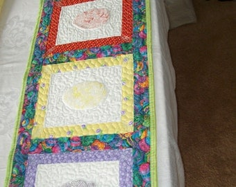 EASTER TABLE RUNNER - Candy Coated Easter Eggs Tablerunner 2
