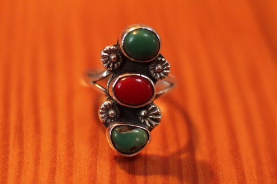 Vintage Sterling Silver Turquoise and Coral Ring size 7 Navajo