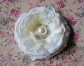 Bridal Flower Hair Clip -Soft Antique White Ranunculus Bridal Flower Clip with Pearl Center