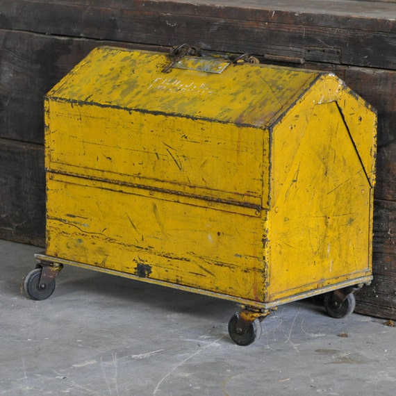Kennedy Kits Modified Machinists Toolbox Rollaway with Casters and Union Number, Identified. Birthday Sale, was 75.00