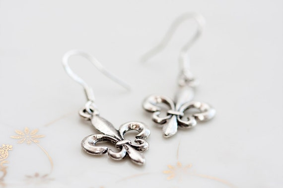 Fleur De Lis Silver Earrings French Jewelry Fleur De Lis Earrings - E083