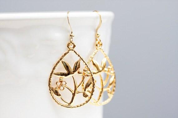 Floral Drop Earrings Gold Flower Earrings Floral Pendant Flower Dangle Earrings Floral Jewelry - E087