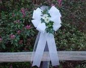 10 White Daisy Pew Bows Wedding Decorations Bridal
