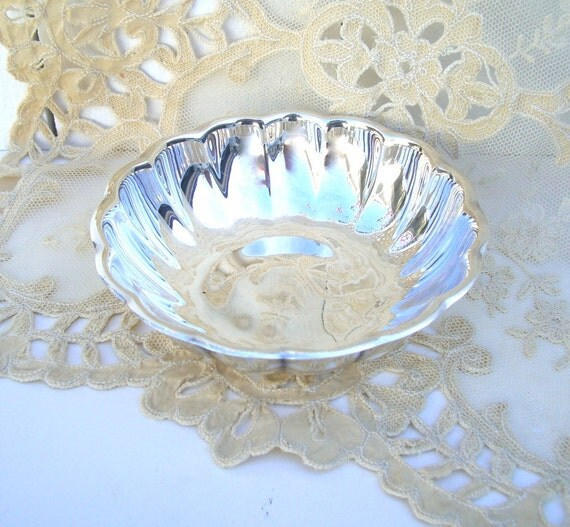 Silver Candy Dish : Scalloped Reed & Barton Holiday Silverplate