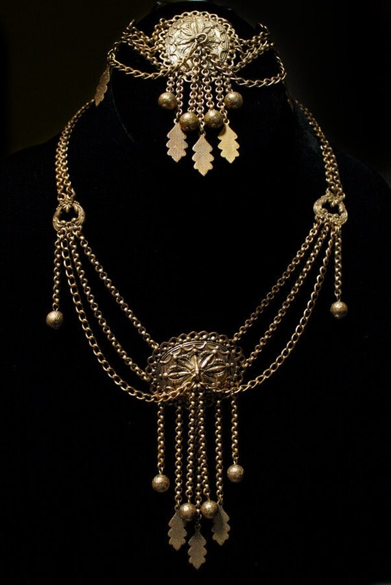 Antique Brass Victorian Festoon With Matching Bracelet