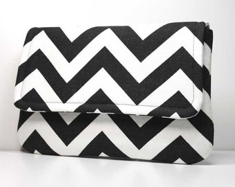 Clutch Purse - Black and White Chevron with 2 Pockets - Optional Detachable Wrist Strap - Made to Order