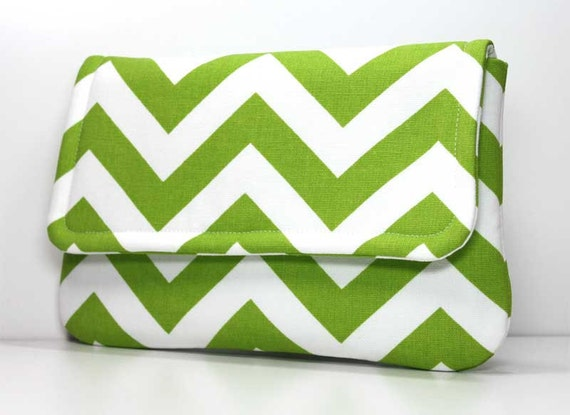 Clutch Purse - Green and White Chevron with 2 Pockets - Optional Wrist Strap or Shoulder Strap - Made to Order