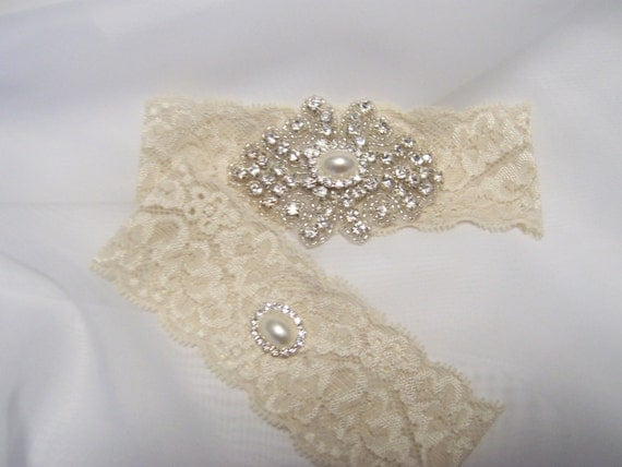 Beautiful Ivory or White Stretch Lace Bridal Wedding Garter Set, Gorgeous Pearl and Crystal Cluster on Vintage Inspired Lace.