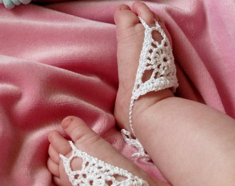 Barefoot Sandals for baby - crochet jewelry, infant girl, pretty accessory, Circle in Triangle design
