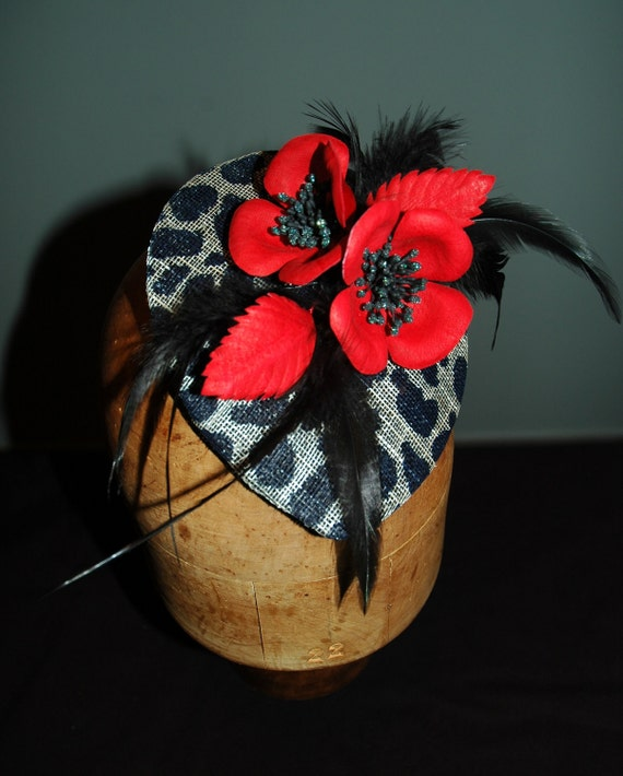 Leopard print headpiece with red poppies
