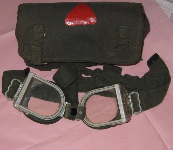Vintage British Army Anti Mine Protector Goggles with Canvas Pouch