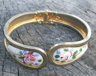 Vintage Guilloche Hinged Bangle