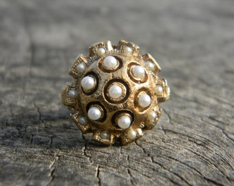 Unique Vintage Gold and Pearl Ring