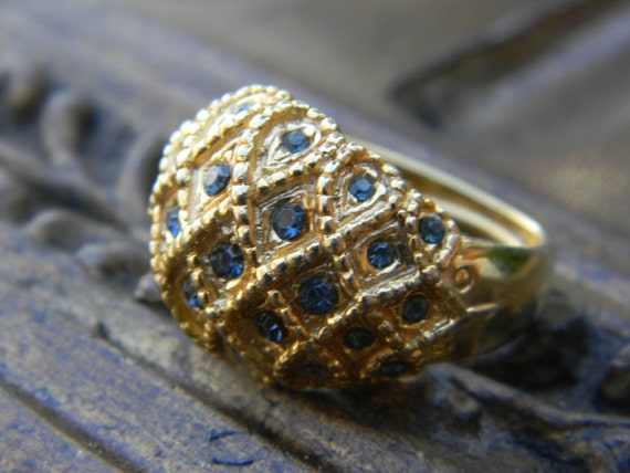 Vintage Chunky Gold Ring with Blue Gemstones-Preppy Ring