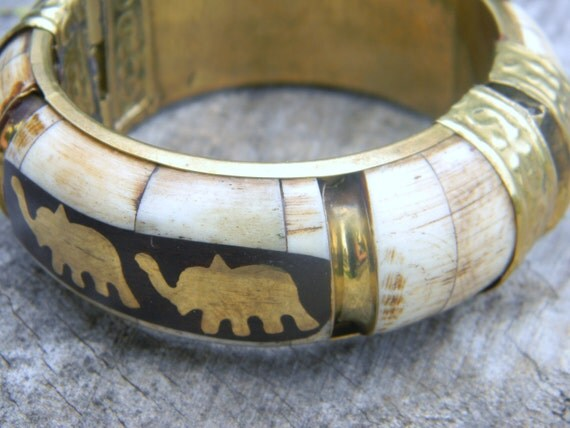 Vintage Faux Ivory and Brass Hinged Bangle