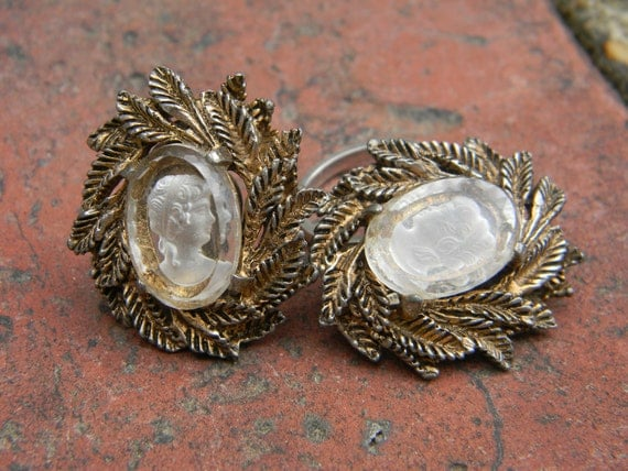 Vintage Intaglio Reverse Cameo Earrings/Clips with Gold Leaf Wreath