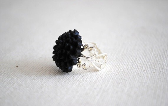 Ring. Chrysanthemum, Mum, Flower, Black, Silver, Adjustable. Black Chrysanthemum Flower Ring