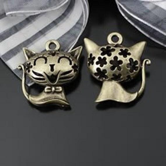 2pcs -9*22*24mm Ancient bronze hollow Lovey cat  Charm Pendant