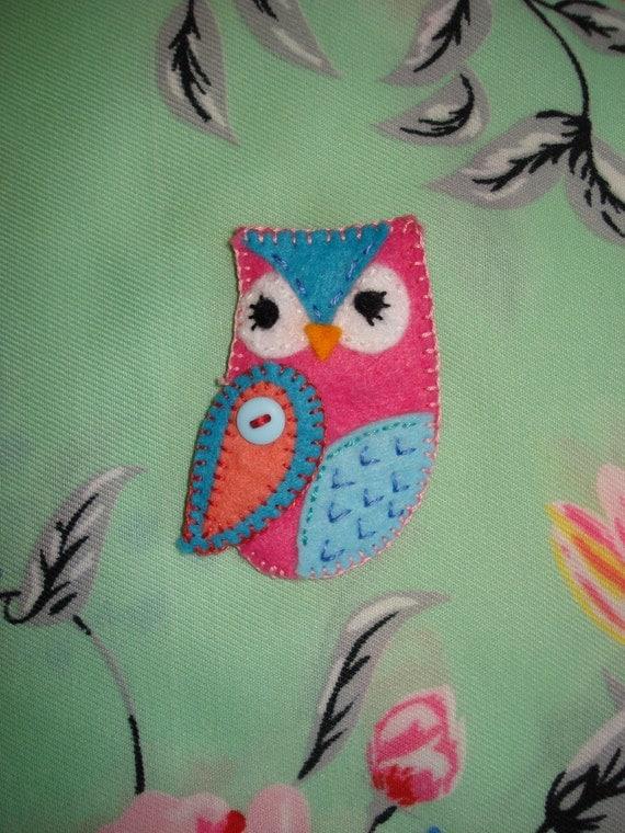 Owl Handmade Felt Brooch gift UK seller