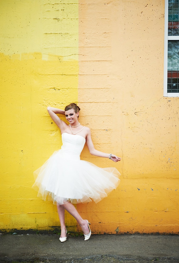 Sweetheart Corset Silk Shantung Silk Organza Ruffle Lace Back Tulle Skirt Tulle Petals White Ivory Black