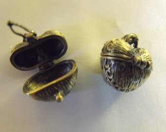 Prayer box or locket, Wish Box,   Antique Bronze, lot of 2  Jewelry Making Supplies