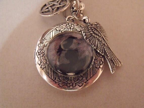 Gothic, Dark Arts Raven Image Locket Necklace