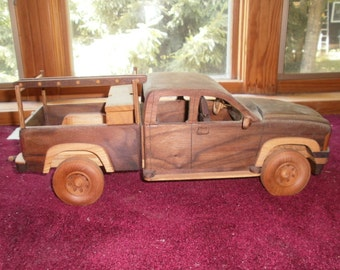 Working Pick-Up Truck Handcrafted Replica