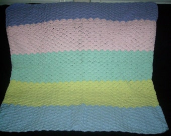 Pastel Shell Baby Afghan
