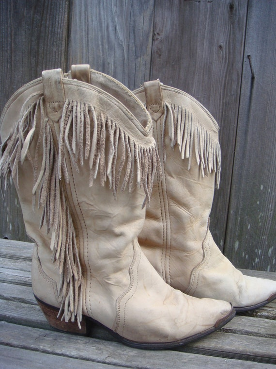 Vintage Acme Cream Fringed Coowboy Boots Womens Size: 5