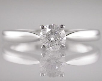 Engagement Ring Diamond Brilliant Round Cut 0.40ct F Colour VS2 Clarity 18k White Gold