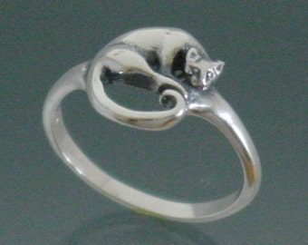 Cat Ring,  Medallion Style ~ Size 7 3/4 to 14