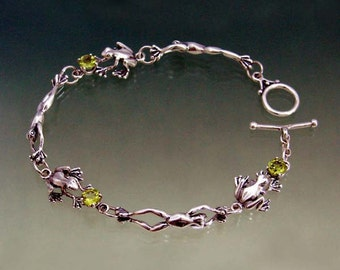 Jump Sit Frog Link Bracelet with Peridot or Stone of Your Choice