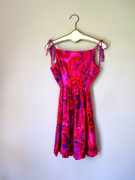 Black Friday Sale / Hippie Chic Bright and Bold Vintage Mini Dress