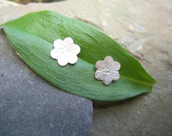 Tiny Flower Earrings. Sterling silver studs. Small Delicate post Earrings