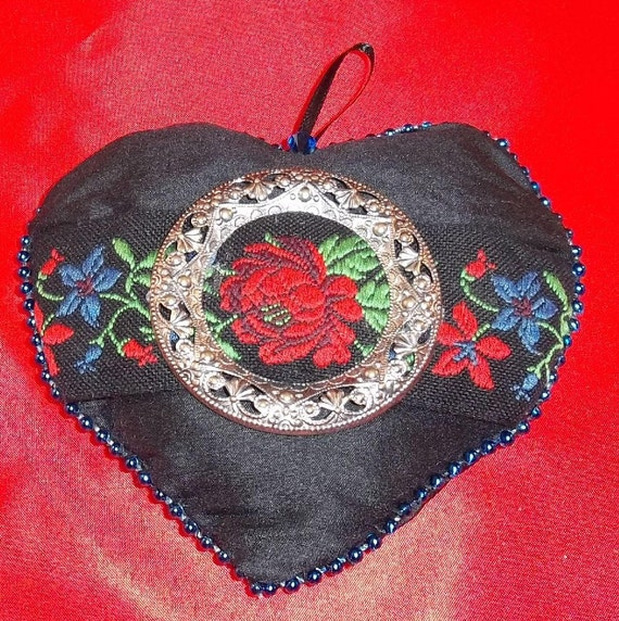 BLACK SILK Lavender Filled HEART Sachet Pillow Valentine