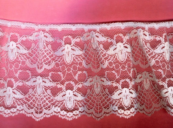 WHITE LACE WIDE Gathered  Bound Edge Side Scalloped 3-1/2 Inches wide 1-1/2 Yards