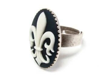 Fleur de Lis Ring - Black and White Cameo Jewelry - Antique Silver Adjustable Band - Fleur de Lys - French Accessory - KKG Sorority Ring