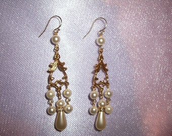 Wedding Earrings, Gold Wedding Earrings, Gold Bridal Earrings, Gold Filled Ear Wires, White Pearls