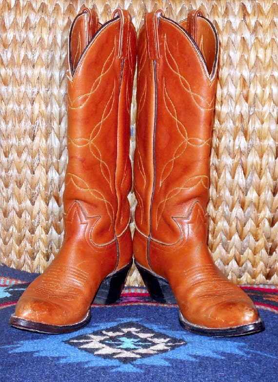Vintage Cowboy or Cowgirl Western Boots by Tony Lama size 7 1/2