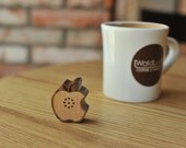 Tiny Wooden Apple Speaker for iPod, iPhone, Galaxy S and more  (100% Made in Handicraft)